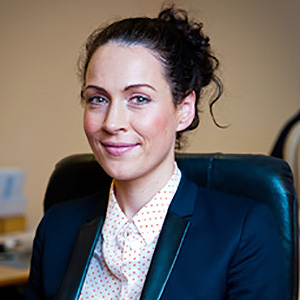 Dr. Sinéad MacEoin